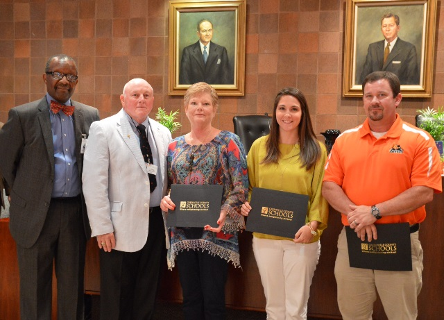 Board members Kenneth Baxter and Pat Sudduth with Mary and Heather Higgins and Rick Given