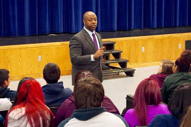 Senator Tim Scott speaking to a group of students