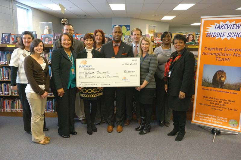 SunTrust Bank Presents $5,000 Check to OnTrack Greenville