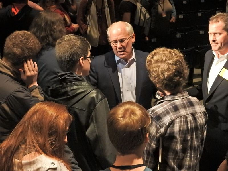 Dr. Andy Aldrin with Students